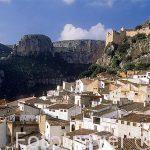 Pueblo de CHULILLA y restos de su castillo. Valencia. Comunidad Valenciana. España