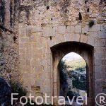 Una antigua puerta de acceso al castillo. Pueblo de CHULILLA. Valencia. Comunidad Valenciana. España