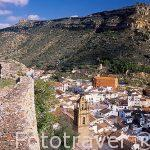 El pueblo de CHULILLA visto desde su castillo. Valencia. Comunidad Valenciana. España