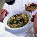 Plato de Olla de Berzas. Restaurante La Rueda. Pueblo de CHULILLA. Valencia. Comunidad Valenciana. España
