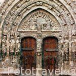 Portal de la iglesia de Santa María. En el centro histórico de REQUENA. Valencia. Comunidad Valenciana. España