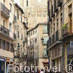 Calle de Juan Bravo y al fondo la catedral. SEGOVIA. Ciudad Patrimonio de la UNESCO. Castilla y Leon. España