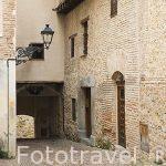 Calle estrecha en el barrio de la antigua juderia. SEGOVIA. Ciudad Patrimonio de la UNESCO. Castilla y Leon. España