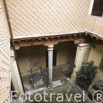 Patio de la casa fundacion Rodera Robles. s.XV. SEGOVIA. Ciudad Patrimonio de la UNESCO. Castilla y Leon. España