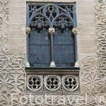 Ventana. Esgrafiado en la fachada del Palacio de Cascales, Conde de Alpuente. SEGOVIA. Ciudad Patrimonio de la UNESCO. Castilla y Leon. España