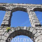 Detalles del acueducto romano de Segovia