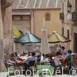 Terraza en la calle de la Alhondiga. Ciudad de Segovia.