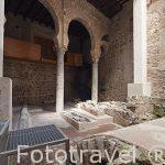 Patio con arcos de herradura. Mezquita Iglesia de El Salvador. (s.IX-XII). Convertida en iglesia cristiana en 1159. Toledo. Ciudad Patrimonio de la Humanidad, UNESCO. Castilla La Mancha. España