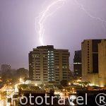 Ciudad de GUATEMALA tormenta y relámpagos en la ciudad