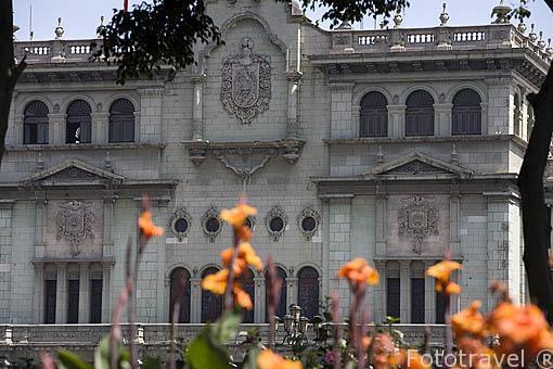 Edificio del Palacio Nacional de la Cultura. Ciudad de GUATEMALA. Centroamerica