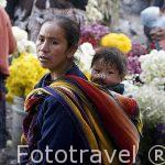 Mercado de la población de CHICHICASTENANGO. Departamento de Quiche. Guatemala. Centroamerica