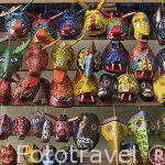Mascaras festivas de animales. Mercado de CHICHICASTENANGO. Guatemala. Centroamerica