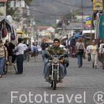 Calle Santander con comercios. PANAJACHEL. Departamento de Sololá. Guatemala. Centroamerica