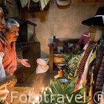 """Culto a Maximon, (Dios del Sol con cara de """"conquistador"""" en una casa particular. Cada año se le venera en una casa distinta por una cofradia . SANTIAGO DE ATITLAN. Departamento de Sololá. Guatemala. Centroamerica."""