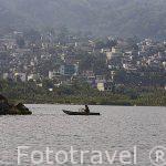Barcas de pescadores. Cerca de SANTIAGO DE ATITLAN. Lago de Atitlan. Departamento de Sololá. Guatemala. Centroamerica