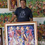 El pintor Jose Retana. Taller de Maira Handal. SANTIAGO DE ATITLAN. Departamento de Sololá. Guatemala. Centroamerica
