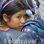 Chica con su huipil. Etnia de Cakchiqueles. Pueblo de SAN ANTONIO PALOPO. Departamento de Sololá. Guatemala. Centroamerica