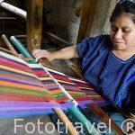 Telares en el pueblo de SAN ANTONIO PALOPO. Departamento de Sololá. Guatemala. Centroamerica