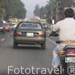 Motorista en una calle de la ciudad de Guatemala. Centroamerica