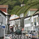 Calle principal de la poblacion de Lajes do Pico. Isla de PICO.