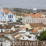 Vista de la ciudad de Angra do Heroismo desde el monumento a la Memoria de Pedro IV. Isla de TERCEIRA