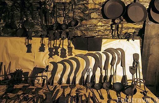Piezas de hierro realizadas en el mazo de Mazonovo. SANTA EULALIA DE OSCOS. Asturias. España