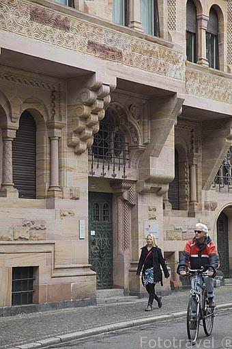 """Edificio del Obispado """"Ordinariat"""", s.XX. Ciudad Patrimonio de la UNESCO de FREIBURG. Zona sur de la Selva Negra. Alemania - Germany"""