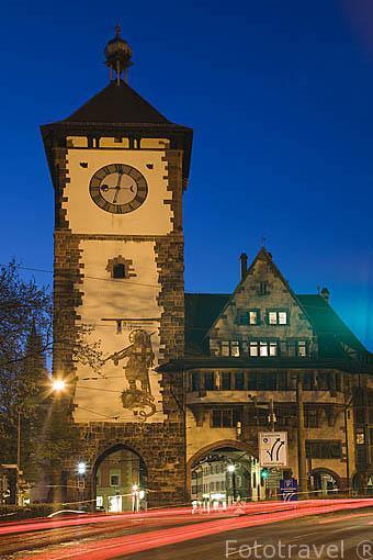 """Puerta de Suavia """"Schwabentor"""". Casco histórico de la ciudad Patrimonio de la UNESCO de FREIBURG - FRIBURGO. Zona sur de la Selva Negra. Alemania - Germany"""