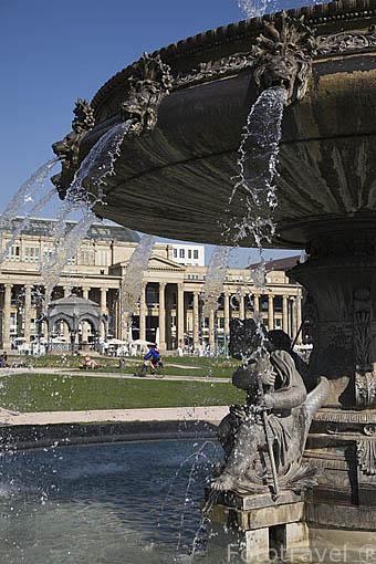 Parque de Schloss y fuente. Ciudad de STUTTGART. Zona de la Selva Negra. Alemania - Germany