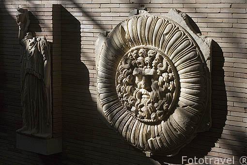 Clipeo. Interior del Museo Nacional de Arte Romano.MERIDA. Ciudad Patrimonio de la Unesco. Badajoz. Extremadura. España