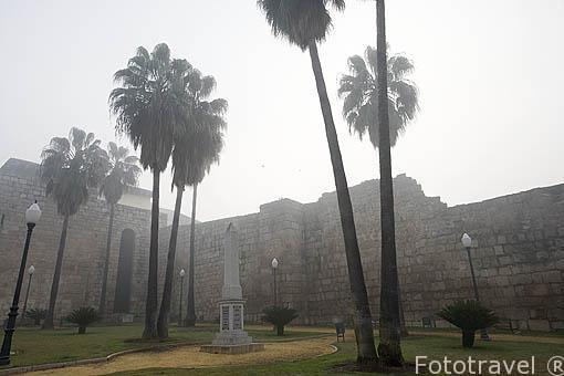 Glorieta de las Meridas del Mundo junto a la alcazaba arabe. MERIDA. Ciudad Patrimonio de la Unesco. Badajoz. Extremadura. España