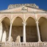 Pórtico neogótico. Interior de la alcazaba arabe. MERIDA. Ciudad Patrimonio de la Unesco. Badajoz. Extremadura. España