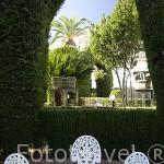 Jardin privado y esculturas. Edificio del Parador de Merida. Ciudad de MERIDA, Patrimonio de la Unesco. Badajoz. Extremadura. España