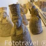 Piezas de terracota de la diosa Tanit encontradas en varios emplazamientos en la isla de IBIZA. Museo Arqueológico. Islas Baleares. España