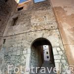 Puerta musulmana de la muralla en calle de la Porteta. Acceso al casco historico de la ciudad patrimonio de la UNESCO de IBIZA. Islas Baleares. España
