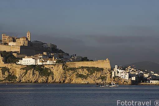 La ciudad de IBIZA, patrimonio de la Humanidad, UNESCO a los pies del Mediterraneo. Islas Baleares. España
