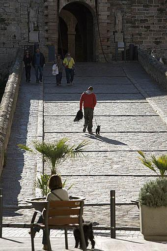 La Puerta del Mar (Porta del Mar) que da acceso al casco histórico y al recinto amurallado. Patrimonio de la Humanidad, UNESCO. Ciudad de IBIZA. Islas Baleares. España