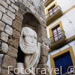 Escultura junto a la Plaza de Armas, s.XVIII. Barrio de Dalt Vila. Ciudad de IBIZA, patrimonio de la Humanidad, UNESCO. Islas Baleares. España
