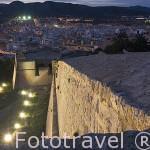 Atardecer sobre la ciudad de IBIZA, desde el baluarte de Sant Jordi. Islas Baleares. España