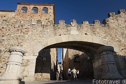 El Arco de la Estrella o Puerta Nueva, s.XVIII. CACERES. Ciudad Patrimonio de la Humanidad. Extremadura. España