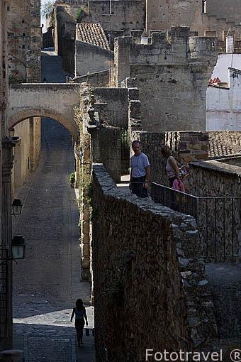 Adarve de Estrella y detras el de Santa Ana. CACERES. Ciudad Patrimonio de la Humanidad. Extremadura. España