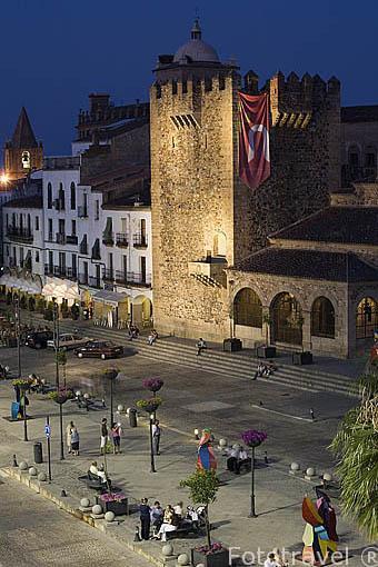 Torre de Bujaco, s.XII en la Plaza Mayor. CACERES. Ciudad Patrimonio de la Humanidad. Extremadura. España