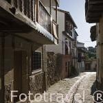 Calle y canal de agua. VALVERDE DE VERA. Provincia de Caceres. Extremadura. España - Spain