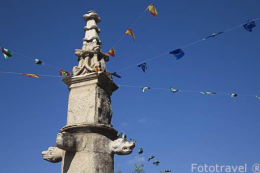 Picota de estilo gotico y planta octogonal, con pinaculo floreado en la entrada de la poblacion de JARANDILLA DE LA VERA. Provincia de Caceres. Extremadura. España - Spain