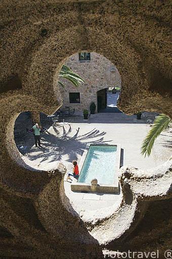Balcón del segundo piso. Parador de Carlos V en el castillo de los Condes de Oropesa. Poblacion de JARANDILLA DE LA VERA. Provincia de Caceres. Extremadura. España - Spain