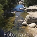 Rio en la garganta Jaranda. A las afueras de la población de JARANDILLA DE LA VERA. Provincia de Caceres. Extremadura. España - Spain
