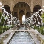 Patio de la Acequia. Espacio central del Palacio del Generalife. La Alhmabra, UNESCO. Ciudad de GRANADA. Andalucia. España