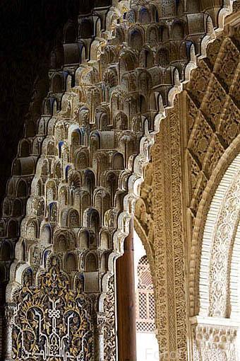 Detalle de mocarabes. Palacio de los Arrayanes. La Alhambra, UNESCO. Ciudad de GRANADA. Andalucia. España