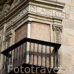"""Balcón tapiado """"Esperandola del Cielo"""" en la fachada del Castril. Ciudad de GRANADA. Andalucia. España"""