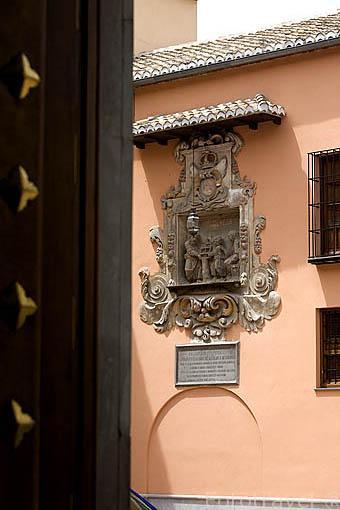 Detalle en la fachada del Convento de las Descalzas.Ciudad de GRANADA. Andalucia. España